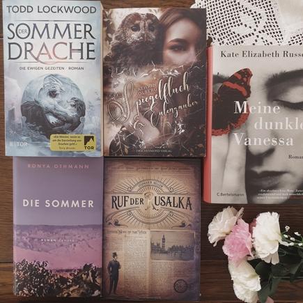 Cover der Bücher der August-Rezensionen